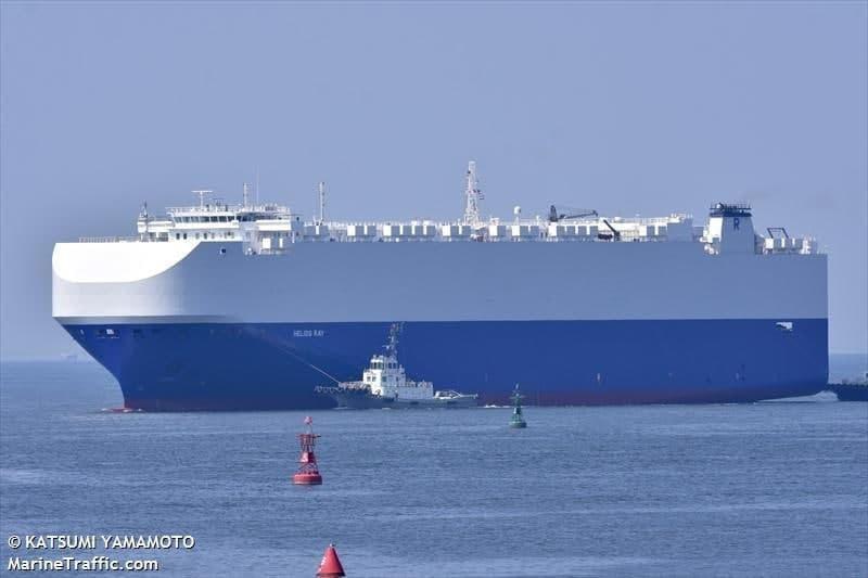 ה ספינה הליוס ריי helios ray השייכת לאיש העסקים הישראלי רמי אונגר נפגעה מ פיצוץ מסתורי במפרץ עומאן