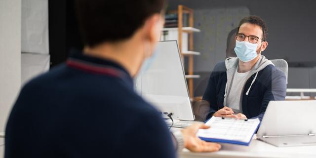 ראיון עבודה קורונה מסכת פנים חיפוש עבודה