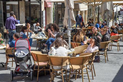 מסעדה פתוחה בירושלים, ארכיון, צילום: שלו שלום