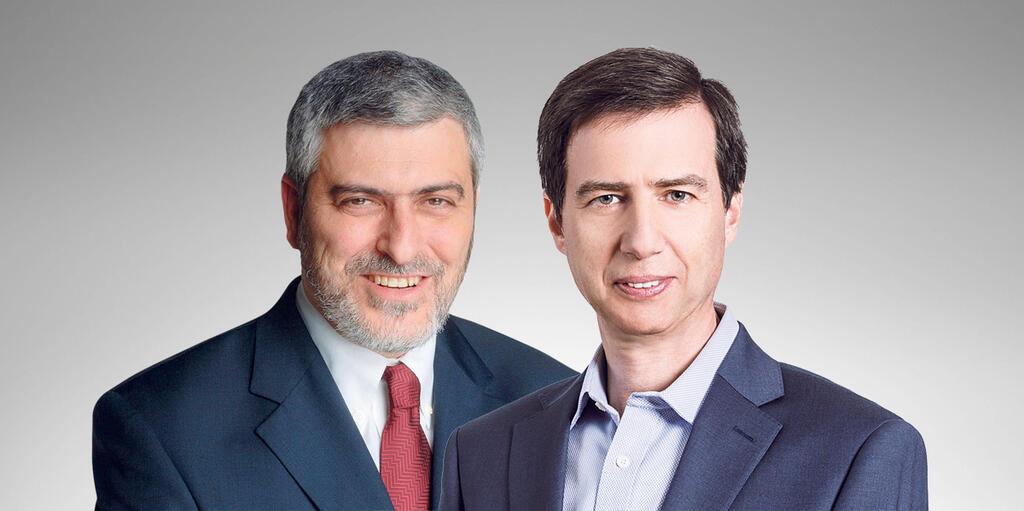 """מימין מנכ""""ל בנק לאומי חנן פרידמן ומנכ""""ל בנק הפועלים דב קוטלר"""