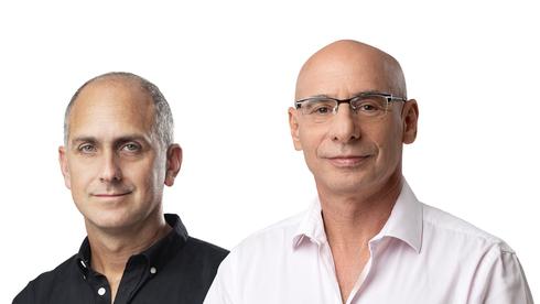 """מימין: יו""""ר הבנק הדיגיטלי הראשון שוקי אורן והמנכ""""ל גל בר דעה , צילום: ינאי יחיאל, יונתן הפנר"""
