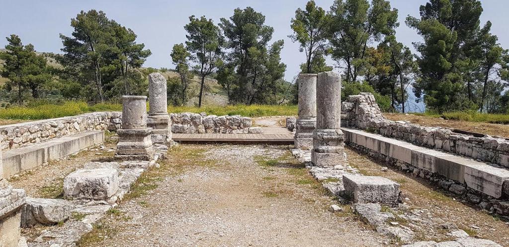 פנאי שרידי בית הכנסת העתיק