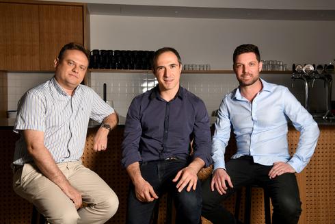 מייסדי חברת פיירבלוקס. מימין: עידן עפרת, מיכאל שאולוב ופבל ברנגולץ, צילום: יוסי זליגר