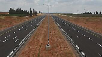 מחיסכון בחשמל ועד דחיית סלילת כבישים: כך מבקש האוצר לחסוך מאות מיליונים