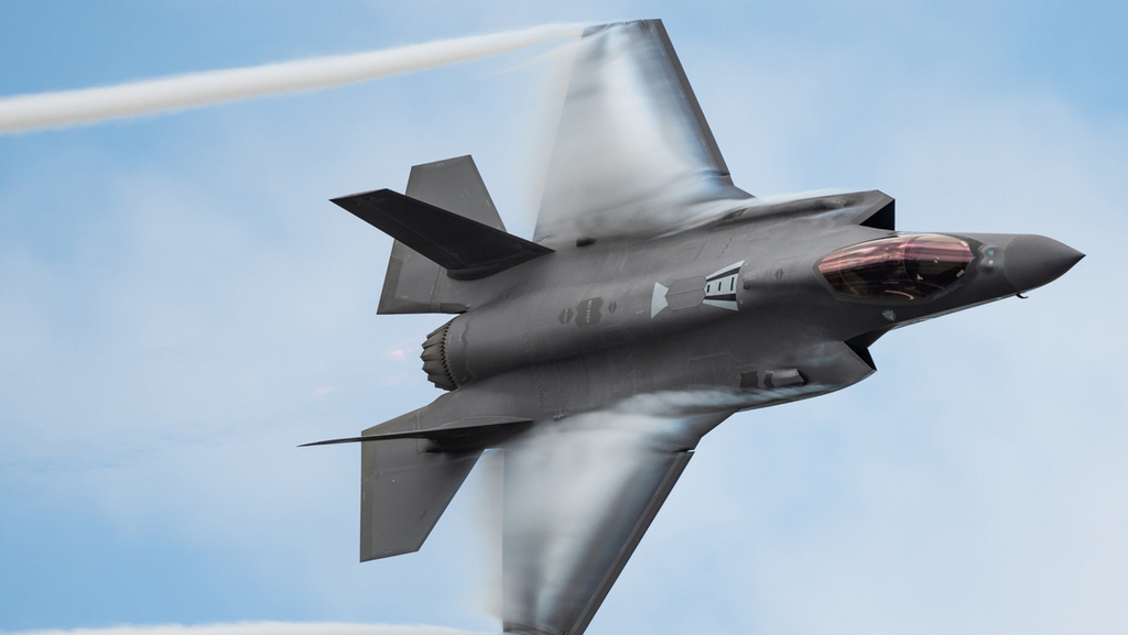 """עסקת מכירת ה-35-F לאמירויות עלולה להיפגע: """"ארצות הברית חוששת מהידוק הקשרים עם סין"""""""