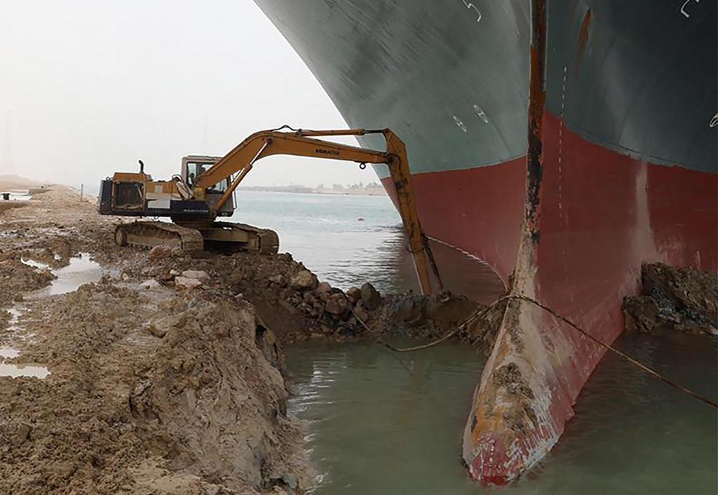 האונייה Ever Given שנתקעה ב תעלת סואץ