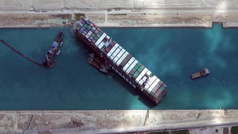 ה-Ever Given תוקעת את תעלת סואץ. תרחיש הבלהות התממש, צילום: רויטרס