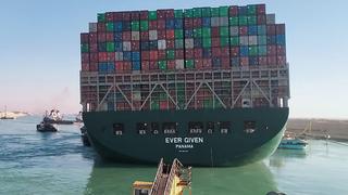 הספינה שנתקעה ב תעלת סואץ  Ever Given אחרי שהוזזה , צילום: איי אף פי