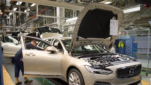 מפעל של וולוו בשבדיה. בעד מודל הרווחה הסקנדינבי, צילום: Volvo