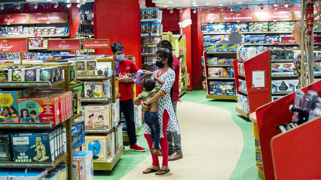 האיש העשיר בהודו יחיה את ענקית הצעצועים הבריטית המליס