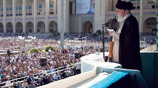 המנהיג העליון של איראן עלי חמינאי בדרשה בשנה שעברה, צילומים: IRANIAN SUPREME LEADER PRESS OFF