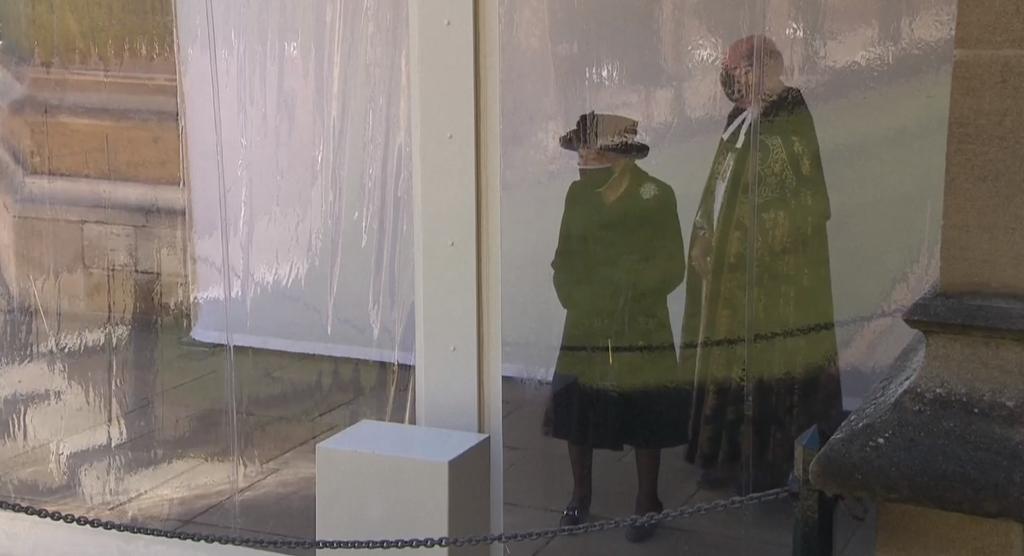כלכליסט המלכה אליזבת מגיעה לטקס ההלוויה