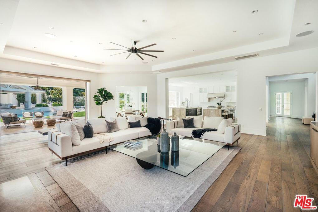מדונה קנתה בית הידן הילס Hidden Hills לוס אנג'לס 3