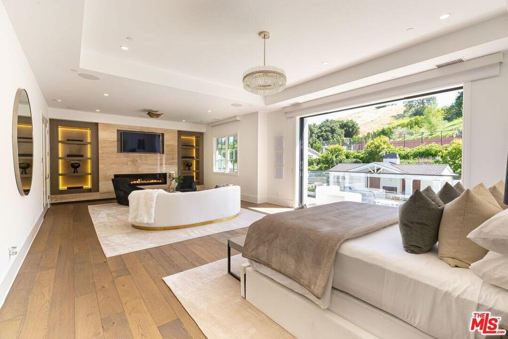 מדונה קנתה בית הידן הילס Hidden Hills לוס אנג'לס 4