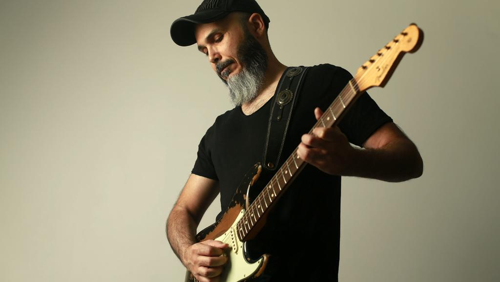 """""""אני הגיטריסט הישראלי הכי מפורסם בעולם שלא מוכר בארץ"""""""