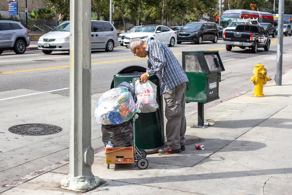 עוני עניים לוס אנג'לס