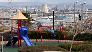 גן משחקים סמוך ל מפרץ חיפה זיהום אוויר