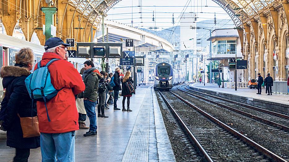 מהפכה ירוקה בצרפת: תבטל טיסות פנים לטובת נסיעות ברכבת