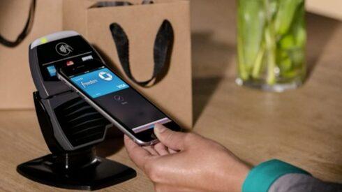 אפל פיי מתחיל לפעול בישראל - ומכוון ל־100% מכרטיסי האשראי