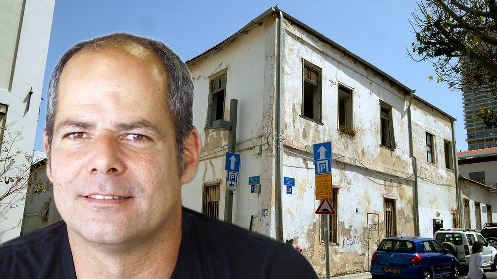 גיורא קפלן מייסד וויקס על רקע בית נווה צדק