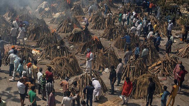 הקורונה משתוללת בהודו, העולם מתגייס לסייע