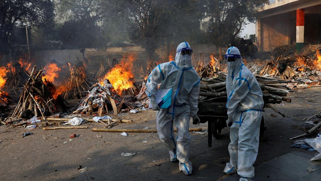 הודו שורפים גופות קןורונה הוורייט ההודי