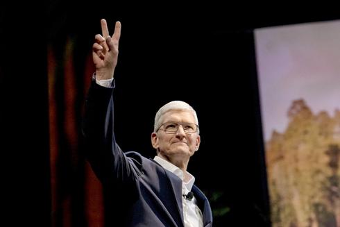 """מנכ""""ל אפל טים קוק , צילום: בלומברג"""