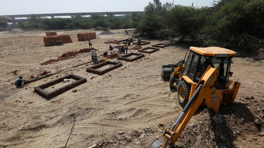 פוטו קורונה הודו הכנת שטח לשריפת גופות