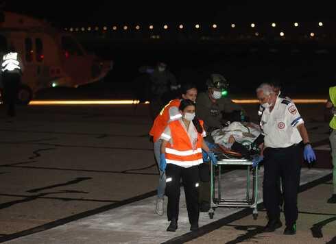 פינוי פצועים מהאירוע , צילום: אלעד גרשגורן