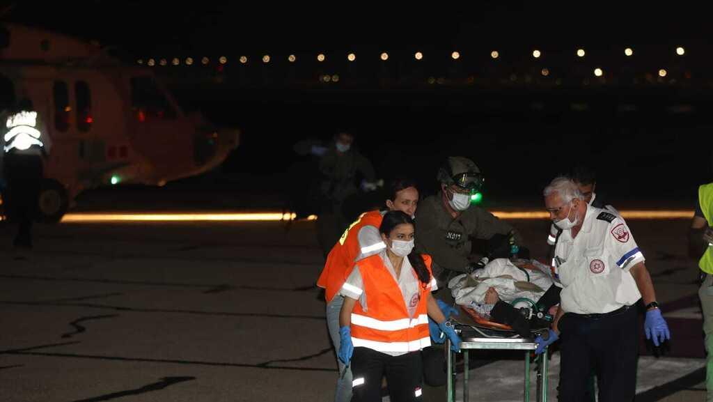 """פינוי פצועים בית חולים רמב""""ם לאחר נפילה הילולה הר מירון ל""""ג בעומר עומס מנחת"""