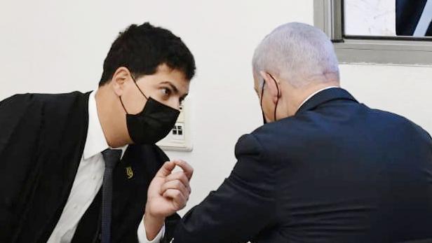 הפרקליט של נתניהו יוכל להסיט ממנו את להבות מירון