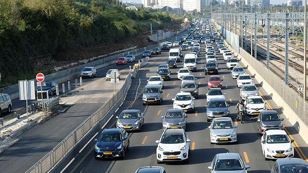 פקקים בכבישי ישראל מכוניות בכבישים