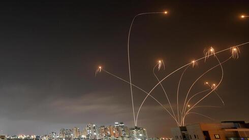 כ-150 רקטות נורו מעזה לישראל; אין לימודים ביישובים רבים, הגבלות במרכז