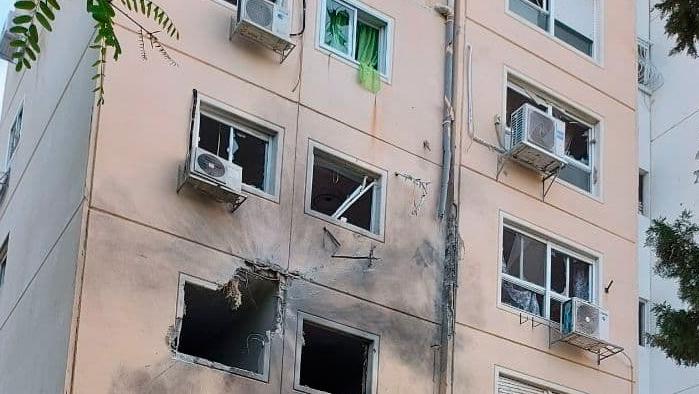 נזק לבניין באשקלון, צילום: יואב זיתון