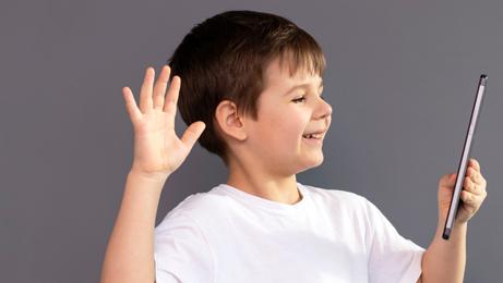 אינסטגרם ילדים סמארטפון, צילום: שאטרסטוק