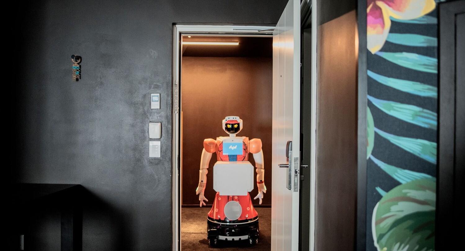 פוטו רובוטים שירות חדרים  דרום אפריקה