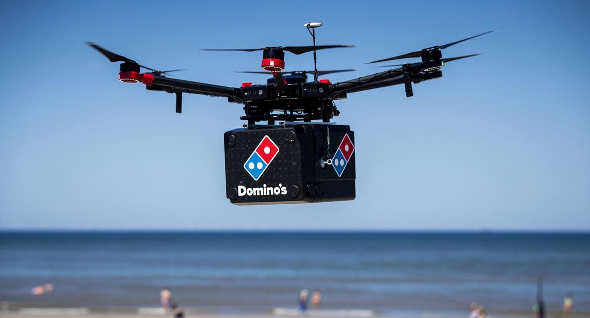 פוטו רובוטים דומינוס פיצה