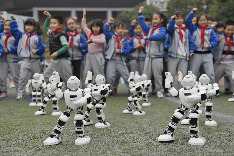 פוטו רובוטים טאי צי