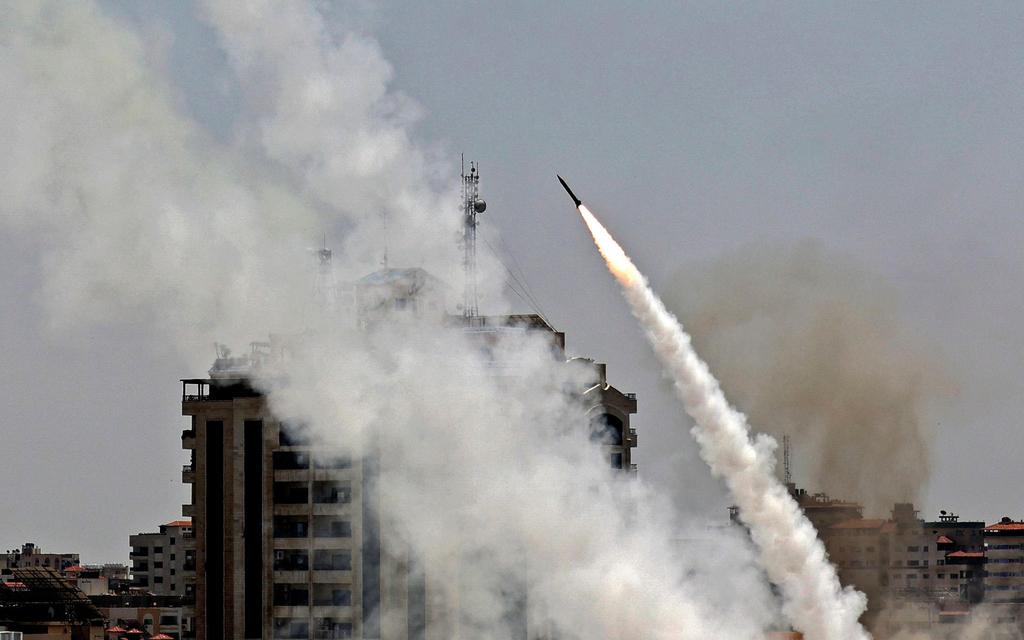 ירי רקטות רקטה טילים טיל מ רצועת עזה מבצע שומר החומות