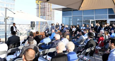 """אירוע בעמותת קמא־טק. """"בשביל להיות יזם לא חייבים ידע טכנולוגי מעמיק"""", צילום: ישראל ברדוגוו"""