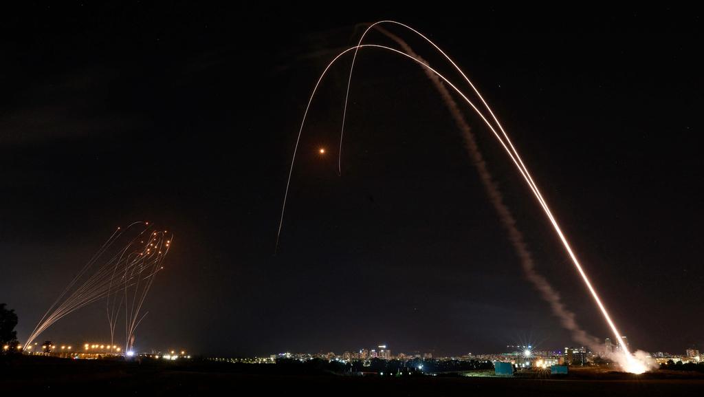 """ירי לאשקלון ולעוטף; בכיר ישראלי: """"אין מגעים להפסקת אש"""""""