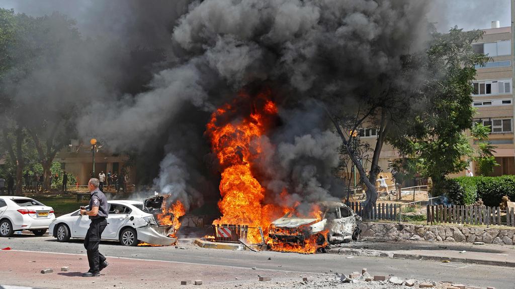 רכב שנפגע מרקטה ב אשקלון מבצע שומר החומות
