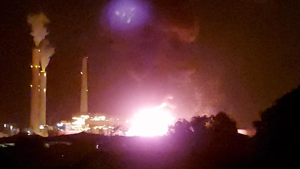פגיעה ב בתחנת הכוח ב אשקלון שומר החומות