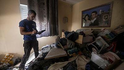 בודקים את הנזק שנגרם לדירה ב אשקלון 11.5.21
