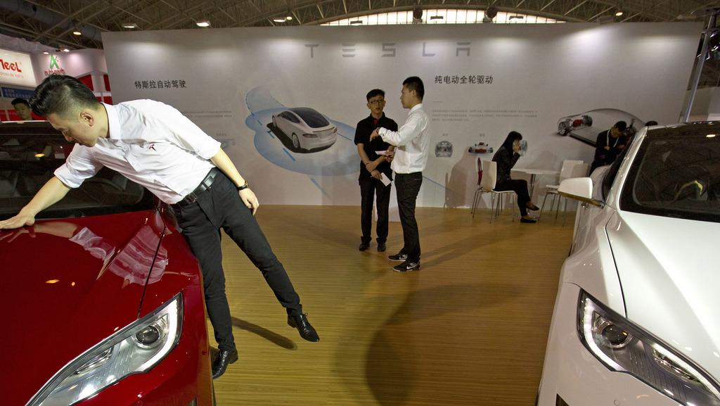 דיווח: הוראה לעובדי ממשלה בסין לא להחנות מכוניות טסלה במקומות העבודה