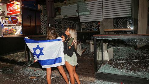 מסע הציד הגזעני בערי ישראל מאיים יותר מהחמאס
