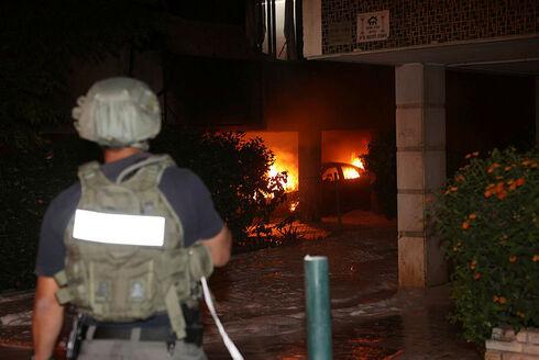 השריפה שפרצה בפתח תקווה הלילה בעקבות ירי הרקטות, יריב כץ