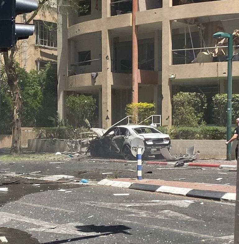 רמת גן נפילה פגיעה ישירה רקטה רקטות טיל טילים טרור חמאס מבצע שומר החומות 3