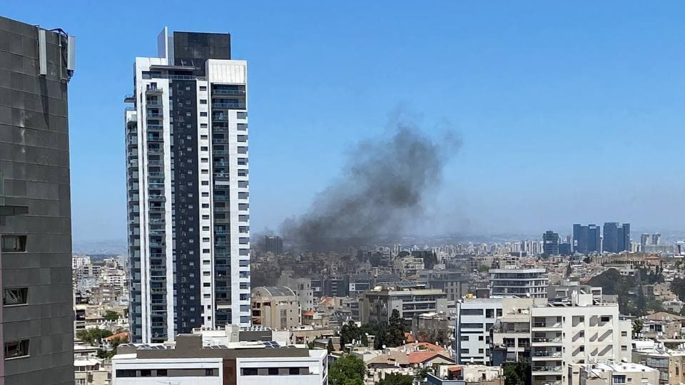 רמת גן נפילה פגיעה ישירה רקטה רקטות טיל טילים טרור חמאס מבצע שומר החומות 1 חדש