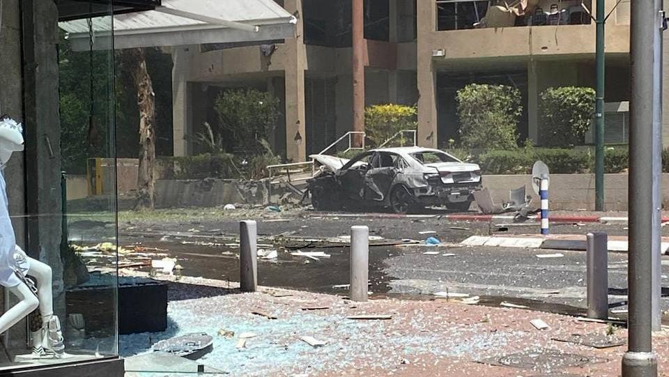 רמת גן נפילה פגיעה ישירה רקטה רקטות טיל טילים טרור חמאס מבצע שומר החומות 4